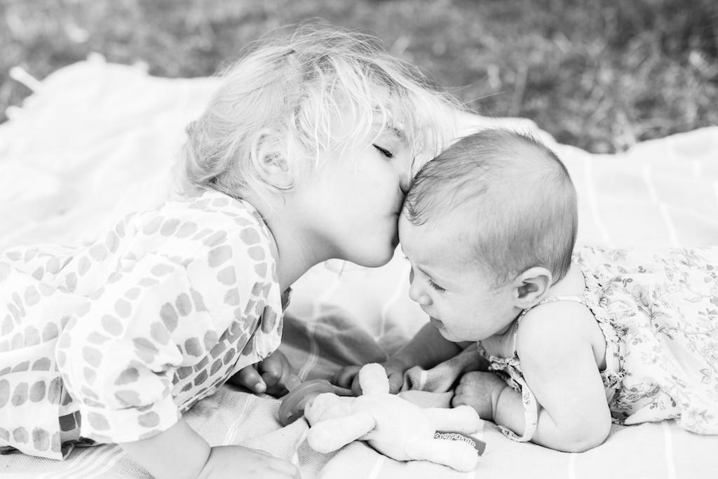 picnic-sisters-3